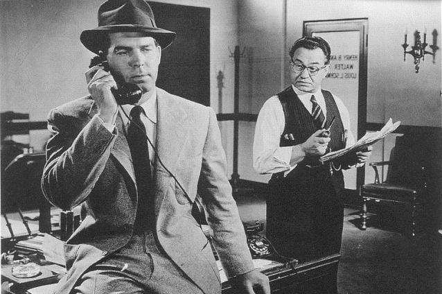 Un personaje complejo: la voz en off de Fred MacMurray en Perdición [1944] contiene momentos de vivo contraste entre un optimismo ingenuo y una sabia melancolía.